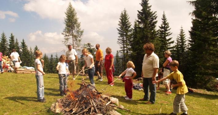 Lagerfeuer Sommerurlaub mit Familie Kärnten Klippitztörl