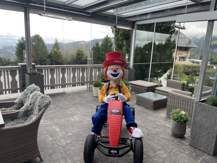 Clown Happy mit Go-Cart