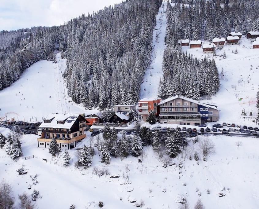 Hotel Alpengasthof Hochegger am Klippitztörl im Winter