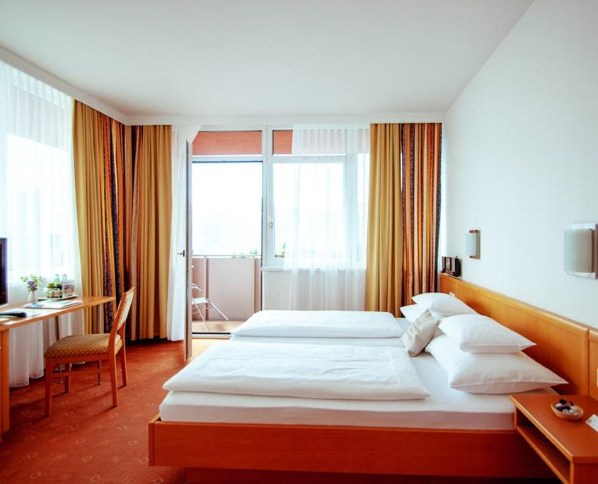 Unser Zimmer Hotel Hochegger mit Balkon